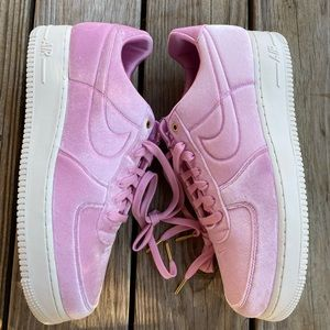 Nike Air Force 1 '07 premium velour 12.5 pink